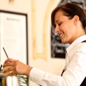 certificat d'operacions bàsiques de restaurant i bar fundesplai